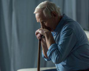 idős férfi, vészjelző készülék